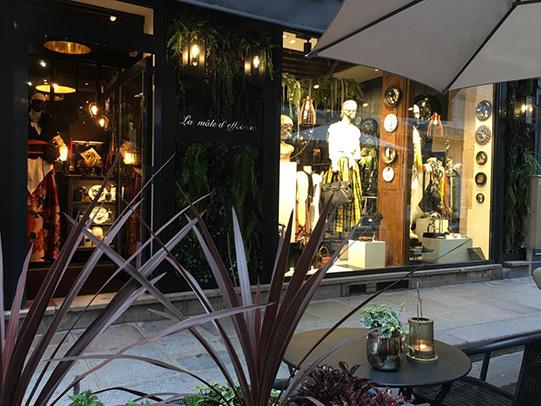 Vitrine la male d'effeenne marais Paris situé au 22 rue Saint Paul 75004 Paris
